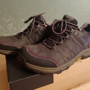 Teva Mens boot! Brand New with box!